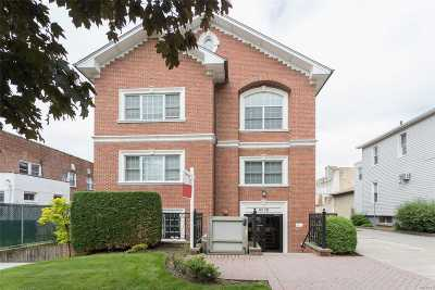 Bayside Condo/Townhouse For Sale: 42-28 214th Pl #2A
