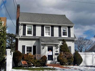 Inwood Single Family Home For Sale: 188 Donahue Ave