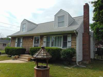 Central Islip  Single Family Home For Sale: 205 Smith St