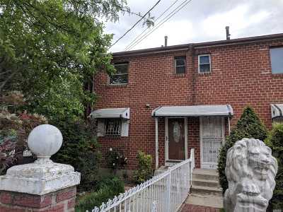 Brooklyn Single Family Home For Sale: 639 Sackman St
