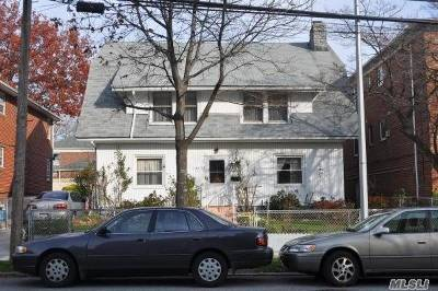Bayside Multi Family Home For Sale: 42-33 202nd St