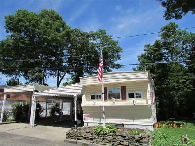 Wading River Single Family Home For Sale: 658 -h10 Sound Ave