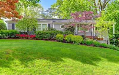 Roslyn Single Family Home For Sale: 2 Bayberry Ridge