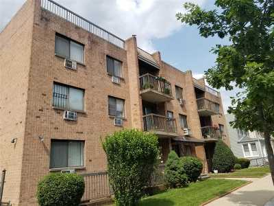 Maspeth Condo/Townhouse For Sale: 65-31 52nd Ave #2D