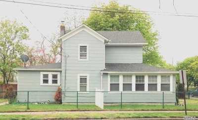 Patchogue Multi Family Home For Sale: 40 Amity St