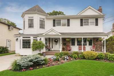 East Meadow Single Family Home For Sale: 2590 8th Ave