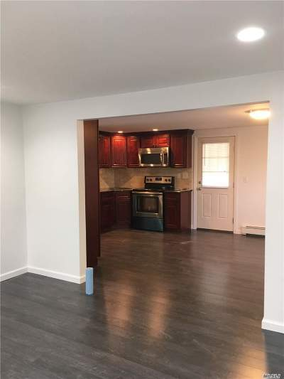 West Islip Rental For Rent: 3 Country Greens Ct