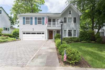 Douglaston Single Family Home For Sale: 331 Beverly Rd
