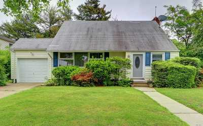 Garden City Single Family Home For Sale: 182 Meadow St
