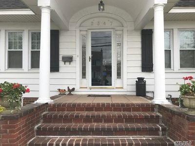 Bellmore Single Family Home For Sale: 2347 Newbridge Rd