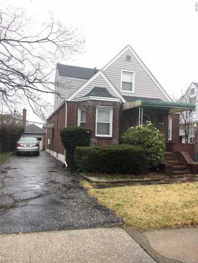 Fresh Meadows Single Family Home For Sale: 58-32 189 St