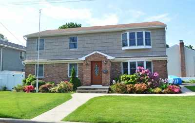 Syosset Multi Family Home For Sale: 39 Walters Ave