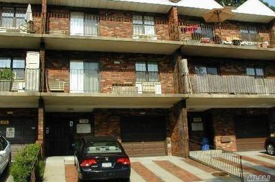 Douglaston Condo/Townhouse For Sale: 68-07 242nd St #32B