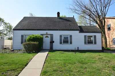 Levittown Single Family Home For Sale: 52 Corncrib Ln