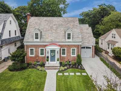 Rockville Centre Single Family Home For Sale: 145 Shellbank Pl
