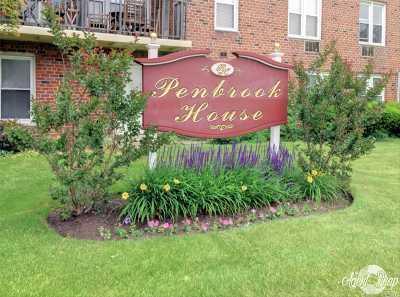 Nassau County Rental For Rent: 60 Hempstead Ave #1T