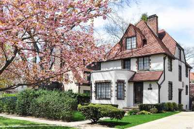 Forest Hills Single Family Home For Sale: 115-07 Union Tpke
