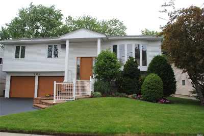Single Family Home For Sale: 2964 Bond Dr
