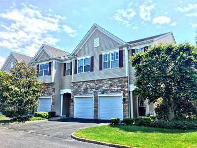 Bay Shore Condo/Townhouse For Sale: 21 Virginia Pine Ln