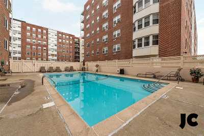 Long Beach NY Co-op For Sale: $245,000
