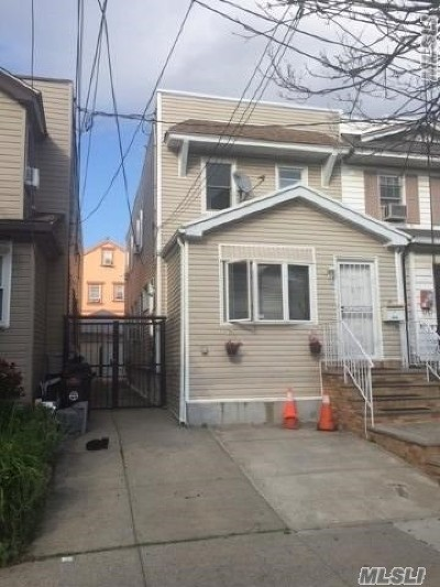 Woodhaven Single Family Home For Sale: 92-05 92nd St