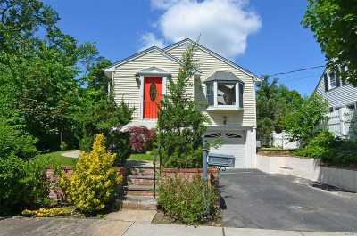 Port Washington Single Family Home For Sale: 44 S Washington St