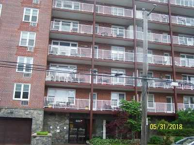 Long Beach NY Condo/Townhouse For Sale: $339,900