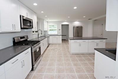 Roslyn Single Family Home For Sale: 605 Glen Cove Rd