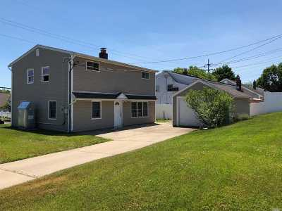 Levittown Single Family Home For Sale: 97 Bloomingdale Rd