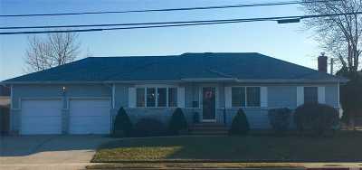 Farmingdale Single Family Home For Sale: 98 Motor Ave