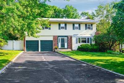 Kings Park Single Family Home For Sale: 97 Twin Oaks Dr