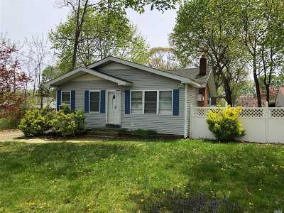 Ronkonkoma Single Family Home For Sale: 74 Weichers Ave