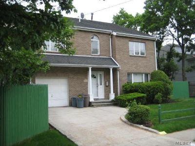 Cedarhurst Condo/Townhouse For Sale: 609 Oakland Ave