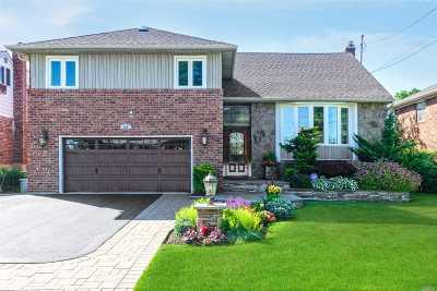 Oceanside Single Family Home For Sale: 298 Golf Dr