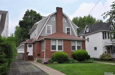 Bayside Single Family Home For Sale: 36-34 211th St