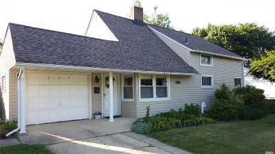 Levittown Single Family Home For Sale: 224 Wantagh Ave