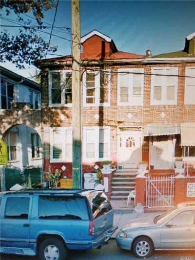 Brooklyn Multi Family Home For Sale: 861 Saratoga Ave