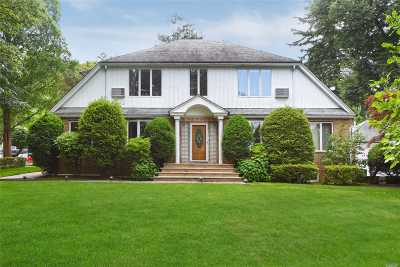 Douglaston Single Family Home For Sale: 371 Hollywood Ave