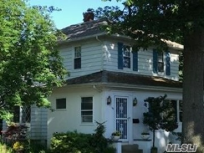 Merrick Single Family Home For Sale: 145 Hewlett Ave