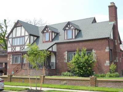 Nassau County Rental For Rent: 75 E Beech St #House
