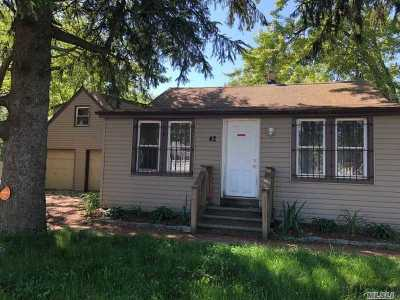 Wyandanch Single Family Home For Sale: 42 Patton Ave