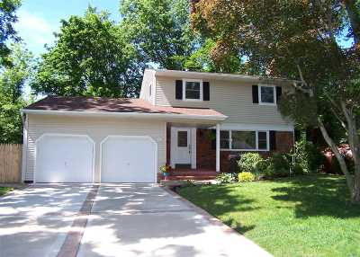Smithtown Single Family Home For Sale: 9 Dale Ln