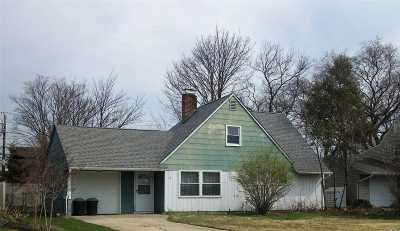 Levittown Single Family Home For Sale: 11 Trumpet Ln