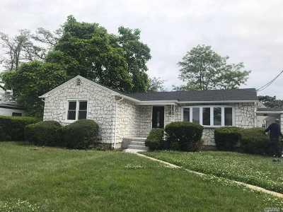 Hempstead Single Family Home For Sale: 94 Virginia Ave