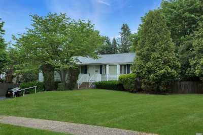 Commack Single Family Home For Sale: 25 Balsam Ln