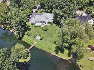 Roslyn Harbor Single Family Home For Sale: 200 Scudders Ln