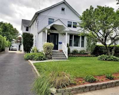 Roslyn Single Family Home For Sale: 155 Jefferson Ave