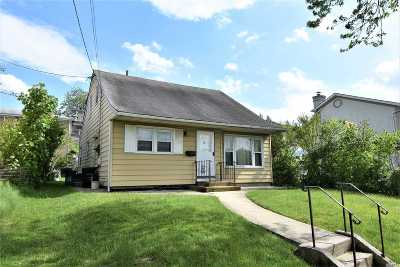 Bayside Single Family Home For Sale: 229-14 64 Ave