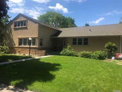 Woodmere Single Family Home For Sale: 573 Fairway Dr