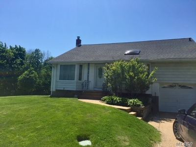 Syosset Single Family Home For Sale: 2 Ellis Dr